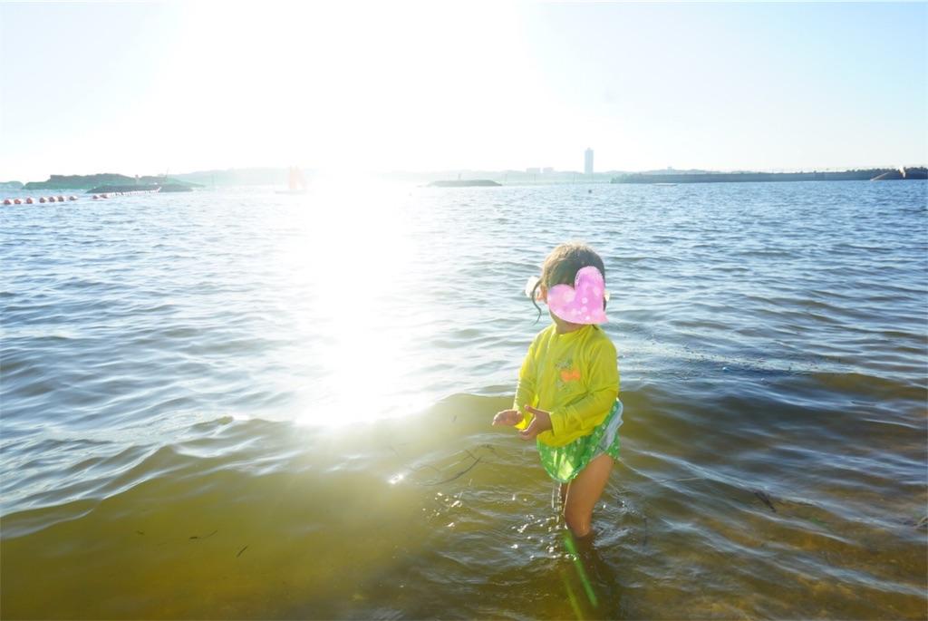 日間賀島で海水浴