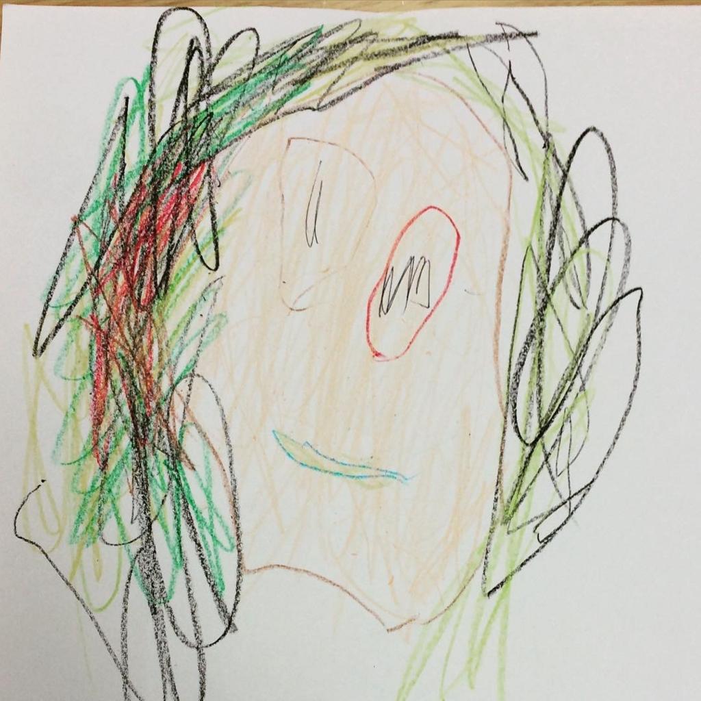 3歳頃の絵。髪の毛は1色じゃない