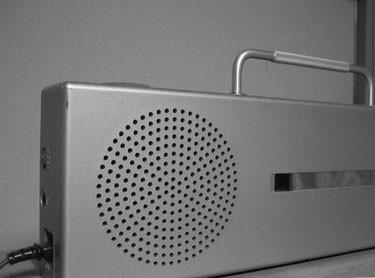 随分前に買ったCDラジオです。多分サンヨー製品を無印向けに手直ししたものだと思いますが、リモコンなどが省略されていました。真っ白な筐体が新鮮でちょうど CD ...