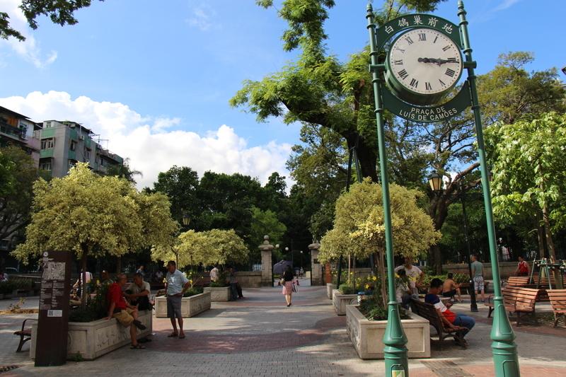 カモンエス広場