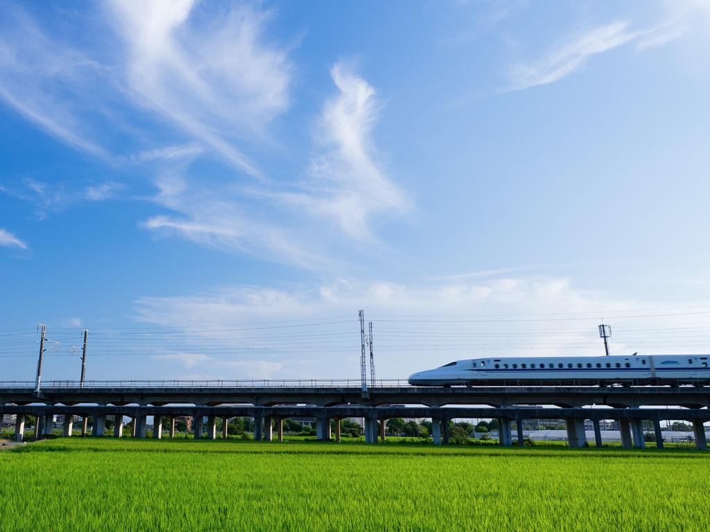 新幹線と風景