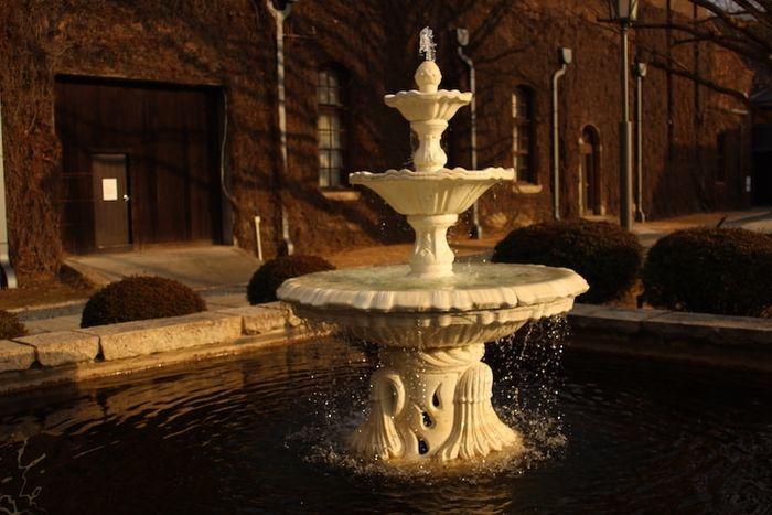 倉敷アイビースクエアの噴水