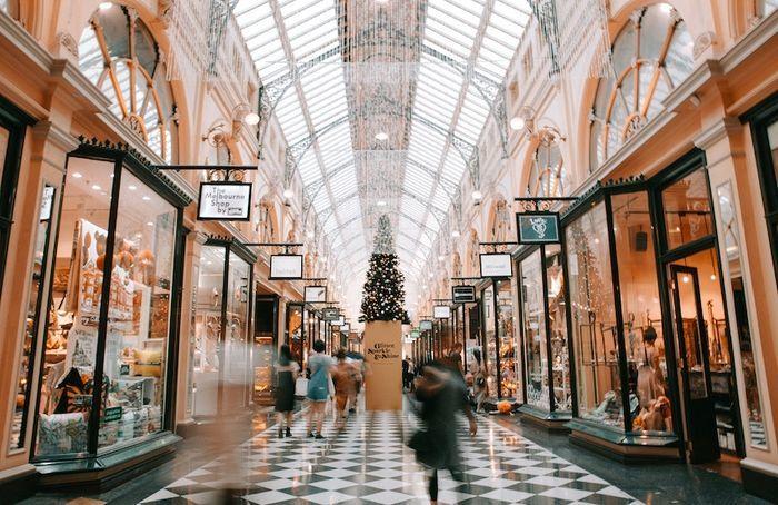 ショッピングする風景