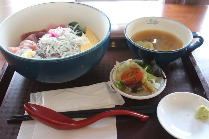 長谷食堂 三色丼