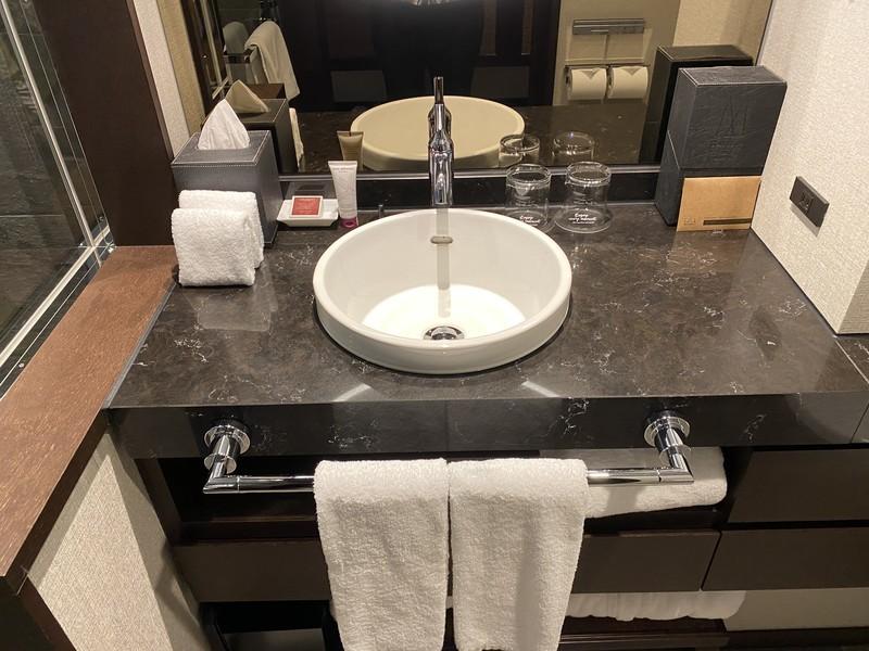 京都悠洛ホテルMギャラリースーペリアルームのバスルーム・トイレ