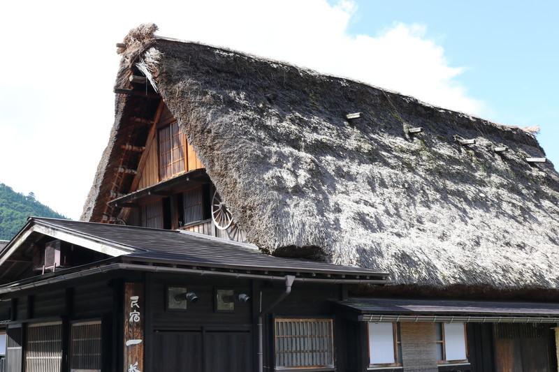 世界遺産「白川郷」合掌造りへ宿泊も可能