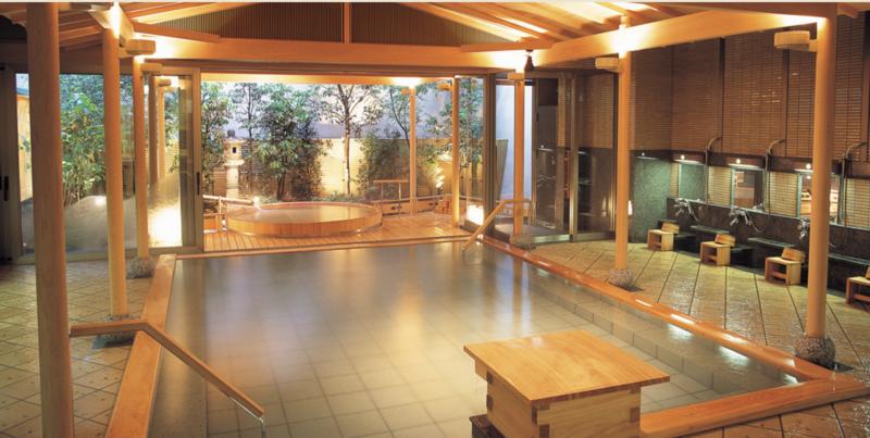 「九萬坊の湯」の大浴場
