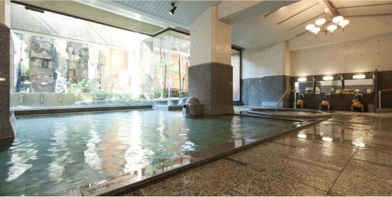 「お薬師の湯」の大浴場