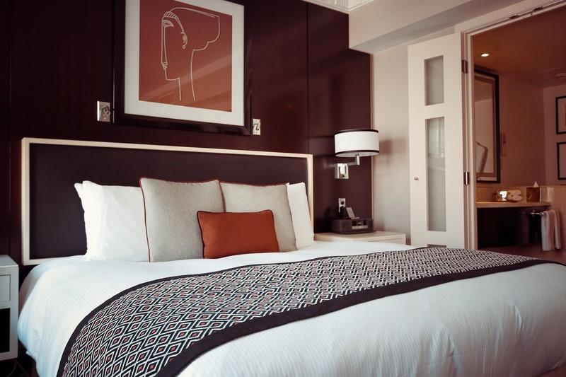 ホテル・旅館で外出時も電源が使える様にする方法