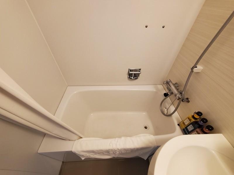 ホテルライジングサン宮古島のバスルーム