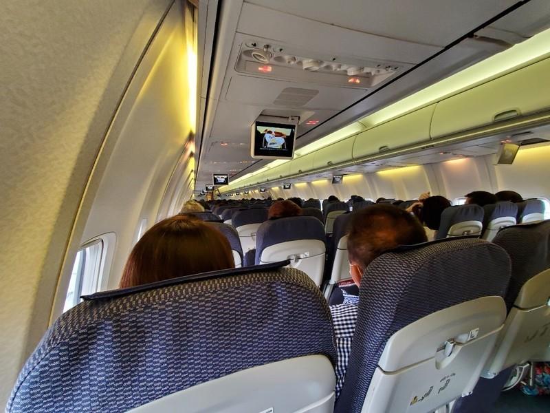 全日空ANA329の機内の様子・座席について
