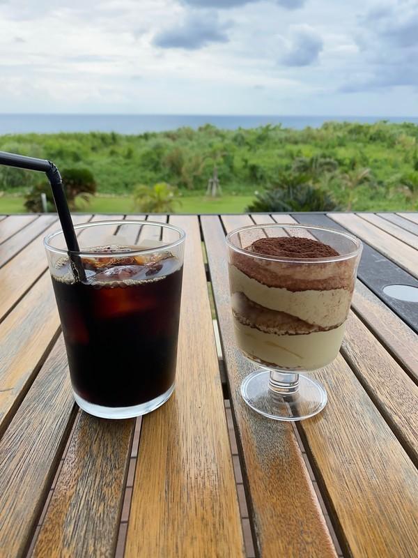 ソラニワホテルアンドカフェ 島豆腐ティラミスとアイスコーヒー