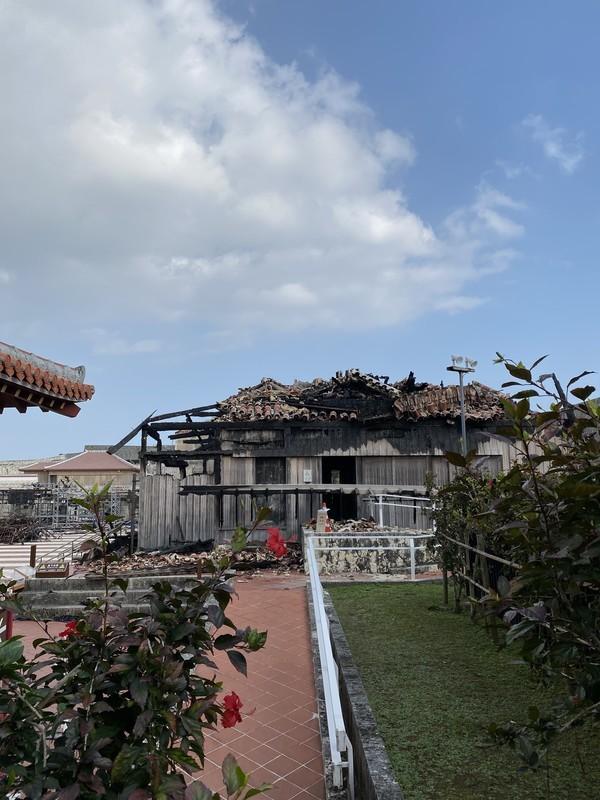 沖縄首里城焼失した姿