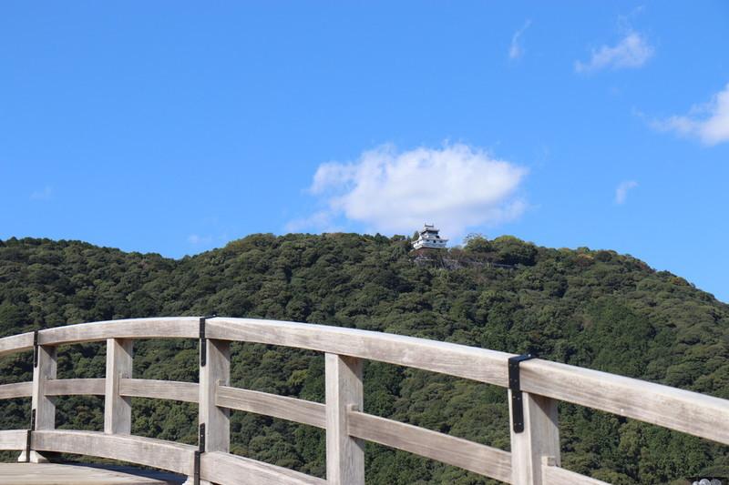 錦帯橋から城を撮る