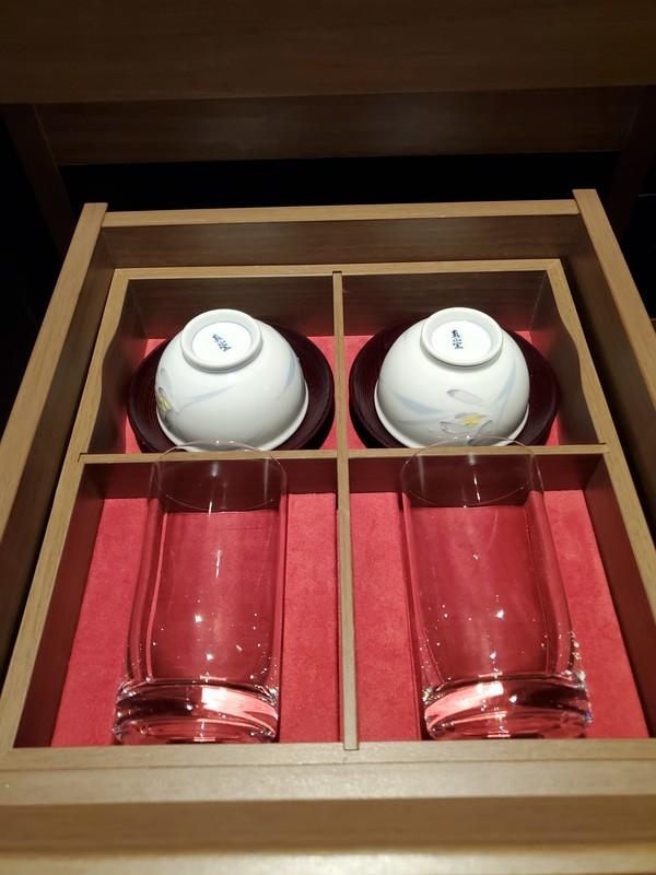 名古屋プリンスホテルスカイタワースカイツインルーム お茶・コップ