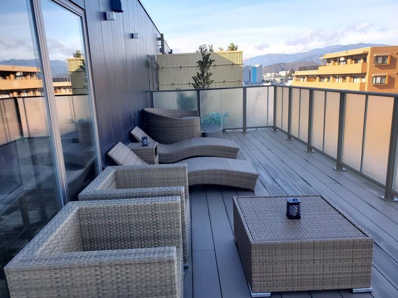 ワットホテル&スパ飛騨高山 ラウンジ屋外