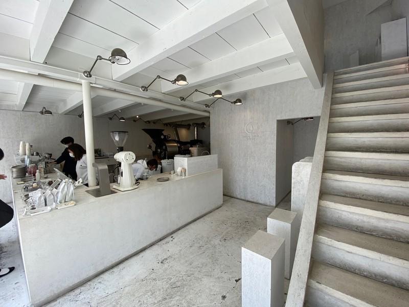 Walden Woods Kyotoの2階の飲食スペースで飲んでみた