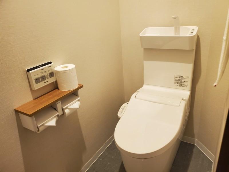 ホテルサンセットヒル パーシャルオーシャンビューツインのバスルーム・トイレ