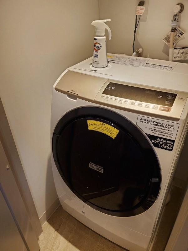 レクー沖縄北谷スパ&リゾート プレミア棟のデラックスプレミアムルームの洗濯機