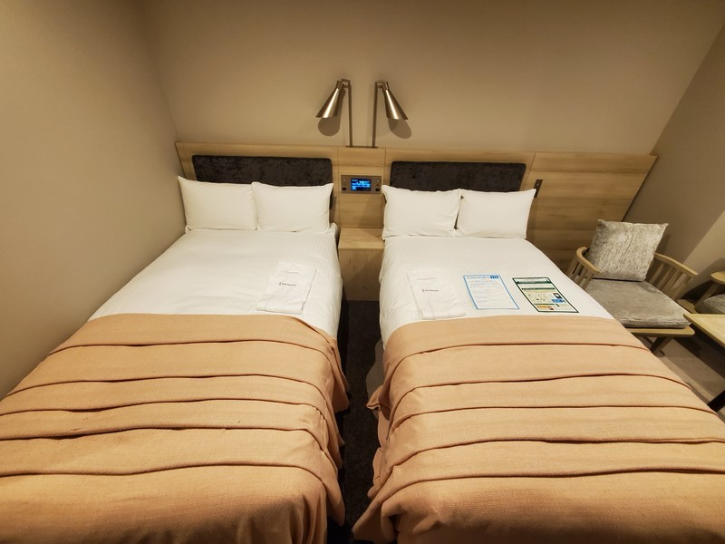 ホテル京阪名古屋スーペリアツインルームのベッドルーム