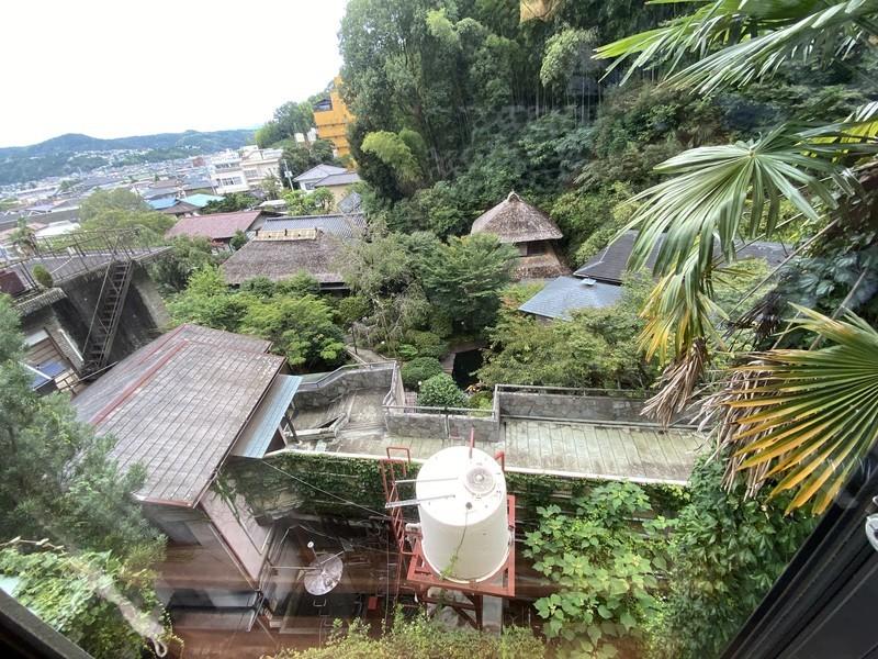 着物で彩られた全館畳敷きの宿 楽山やすだの檜温泉がある広縁付き和室(和室)の部屋