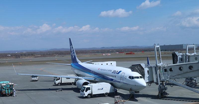新千歳空港に到着した 737-800