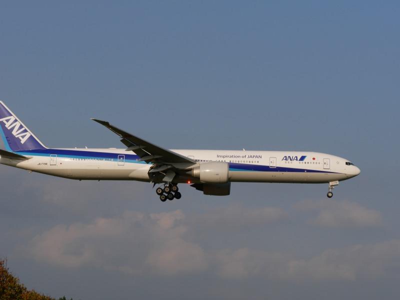 ANA B777-300ER JA779A