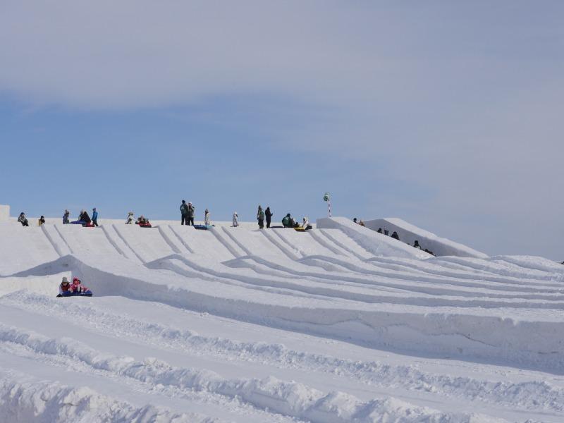 さっぽろ雪まつり ファミリーチューブスライダー