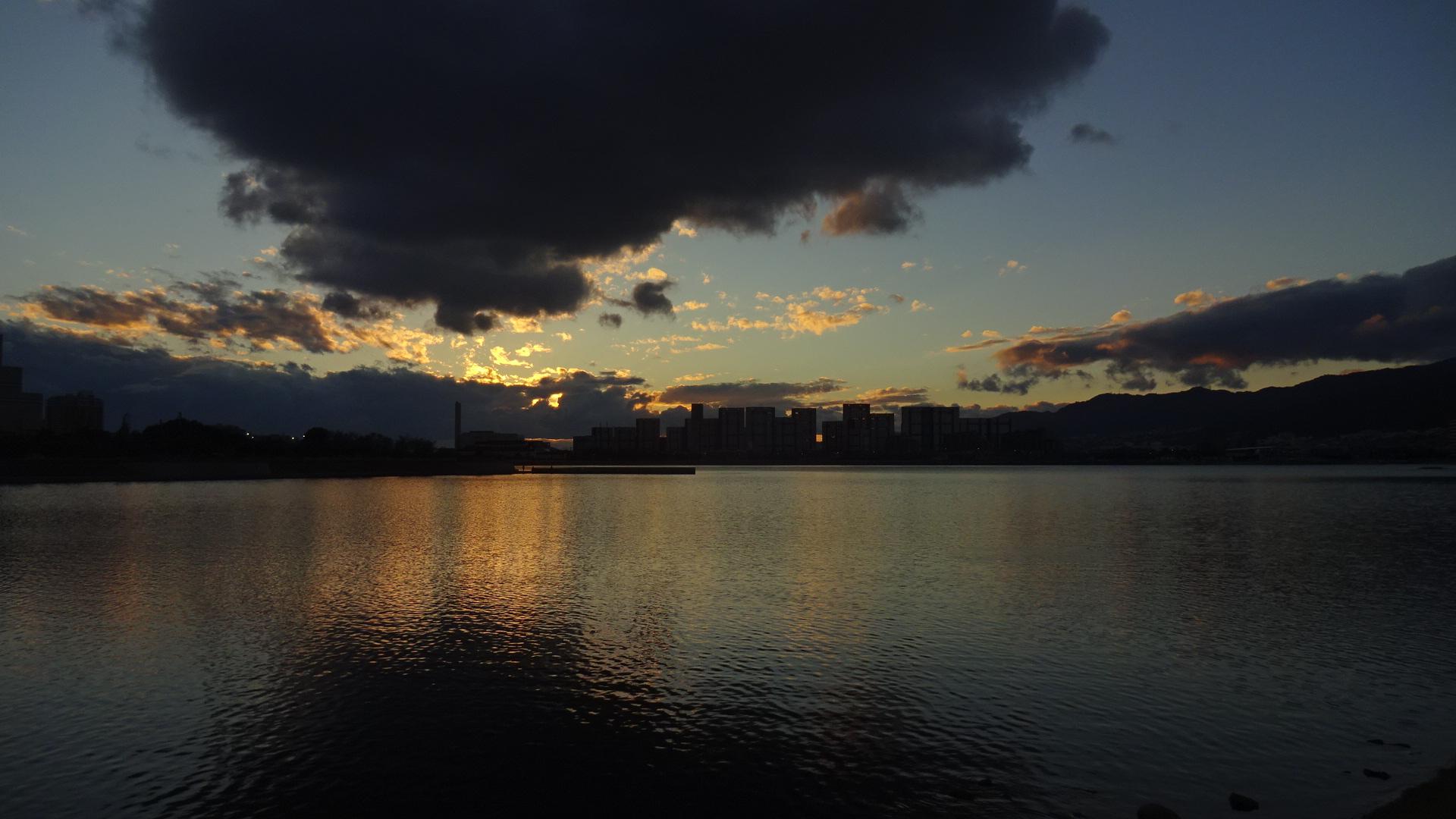 https://cdn-ak.f.st-hatena.com/images/fotolife/s/shioshiohida/20181122/20181122163537_original.jpg