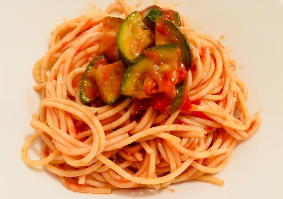 トマトとズッキーニの冷製パスタ