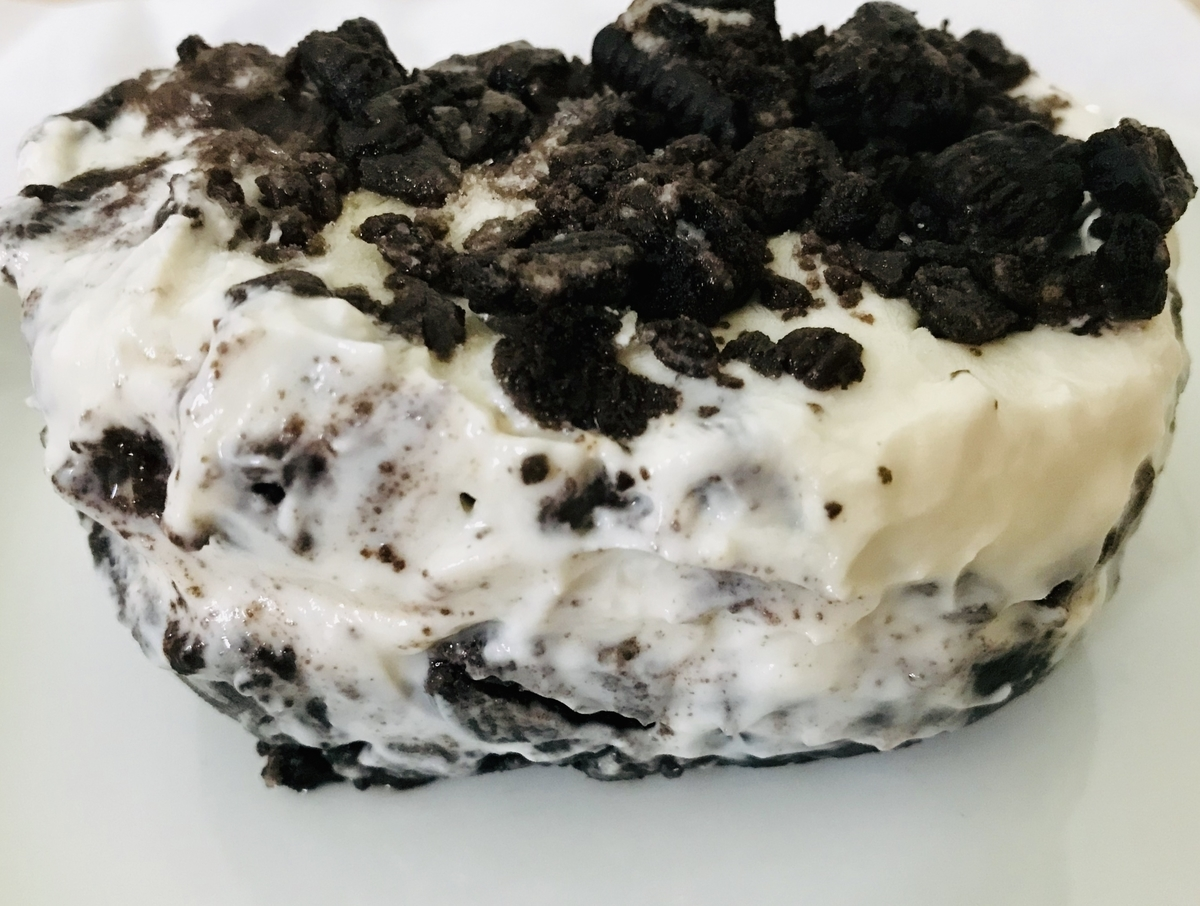 オレオとヨーグルトのフローズンケーキ