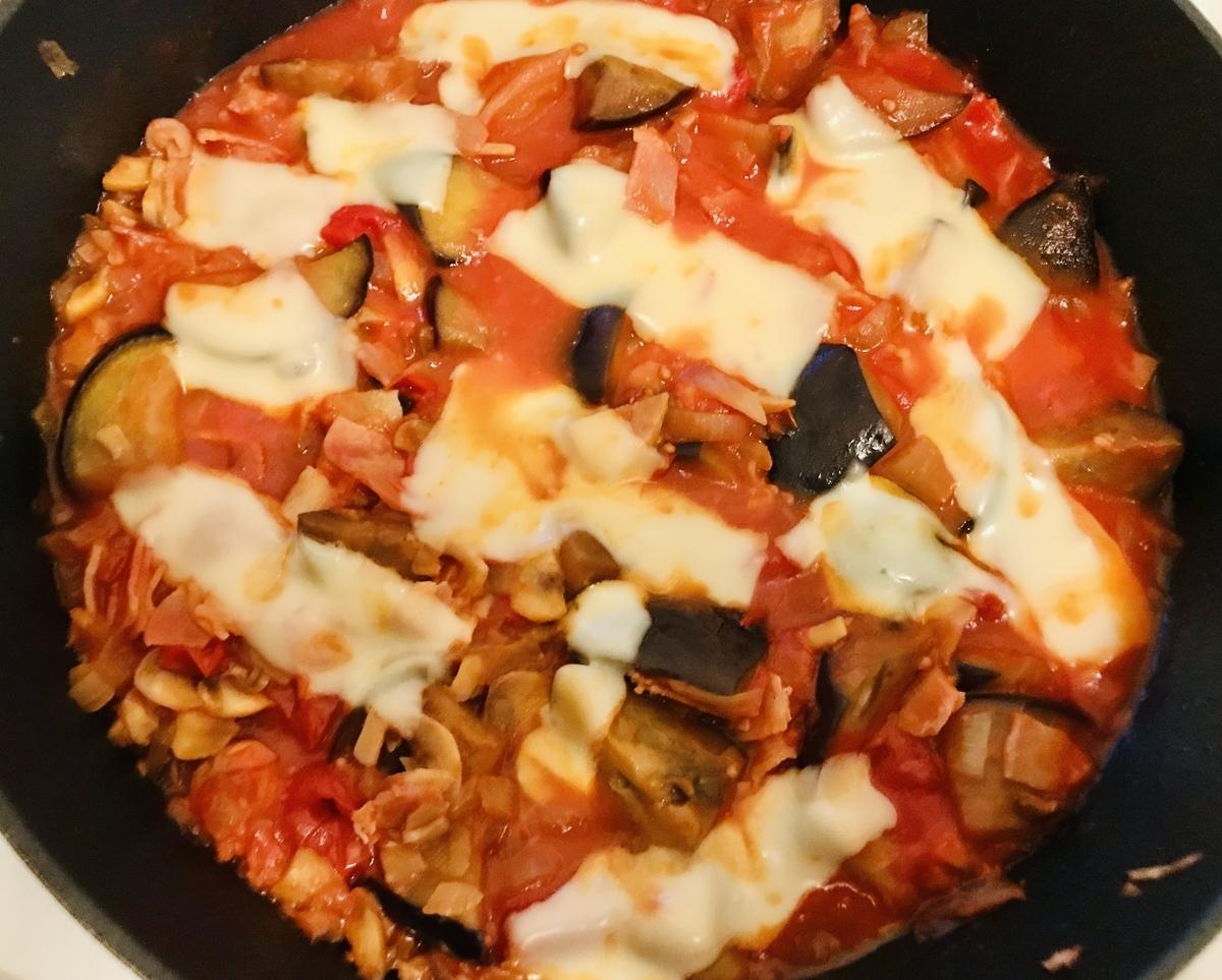 茄子とマッシュルームのトマト煮込み