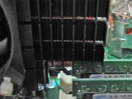 PC-VG32SVZGL の DDR2 DIMMスロット付近