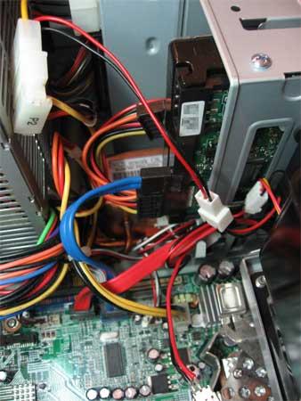 VGAカード用ファンの電源はCPUファンから分岐