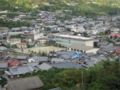 県道356号線豊浜蒲刈線の歩道から大浦地区(旧大浦小)を撮影