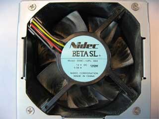 ケース標準搭載ファン Nidec製 BETA SL D09C-12PL 06A と取付金具