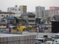 [新広島市民球場][工事見学スペース]球場正面 での作業の様子