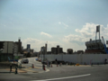 [新広島市民球場]広島貨物ターミナル駅トラック出入口横から新球場東側道路を望む