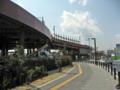 [新広島市民球場]北側の道路からプロムナード北側を望む
