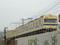 新広島市民球場北側を走行する103系電車