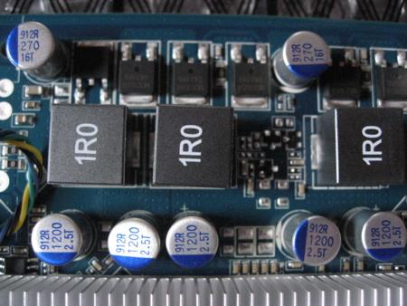 GeForce 9600GT-GE 基板キャパシタ部分(表)