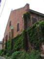 [旧広島陸軍被服支廠]南側の棟(南端)の東方向から望む