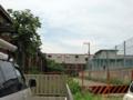 [旧広島陸軍被服支廠]南端の棟 東側の宅地から撮影