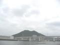 [向洋沖町]東洋大橋・黄金山を望む