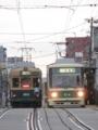 [広島電鉄350形電車][広島電鉄800形電車]353号車(左)814号車(右)
