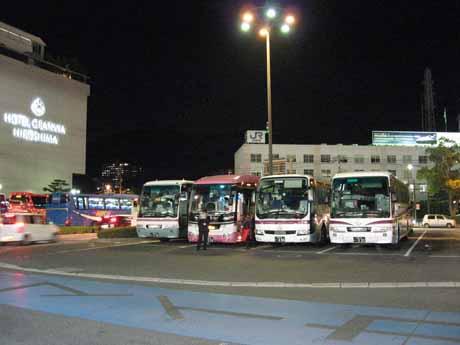 新幹線口バス待機所