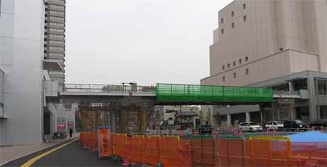 歩道陸橋建設工事