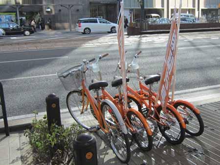 広島市中区の歩道上にある自転車
