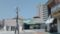宮島松大汽船桟橋出入口付近から広電西広島駅方面を見る