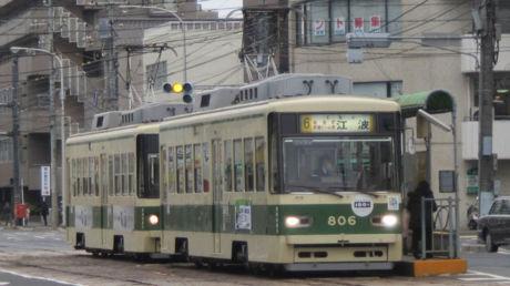 803号車(奥) 806号車(前)